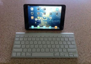 iPad Mini and Apple Bluetooth keyboard